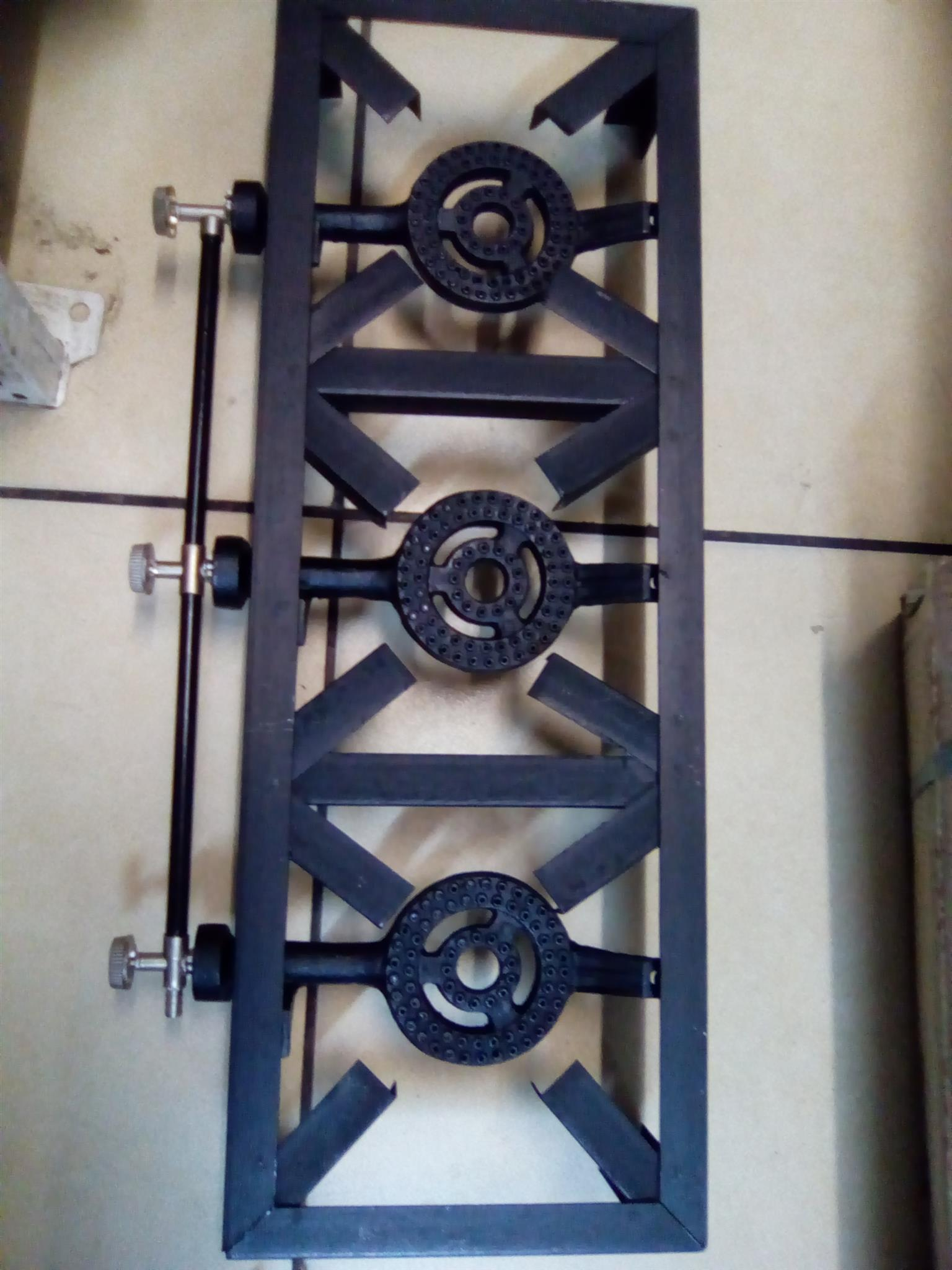 Three plate gas stove (new)