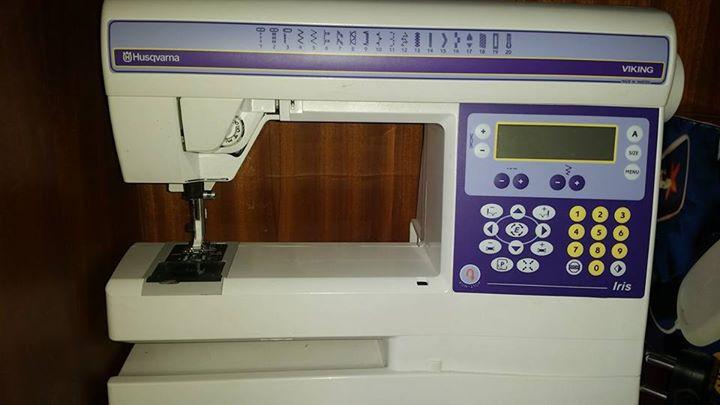 Husqvarna Viking iris 2 in 1 machine