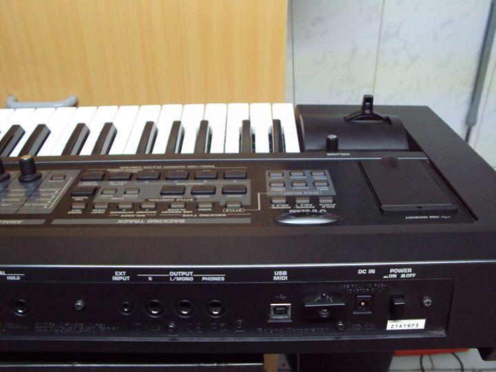 Roland GW-8A 61 Key Arranger Keyboard