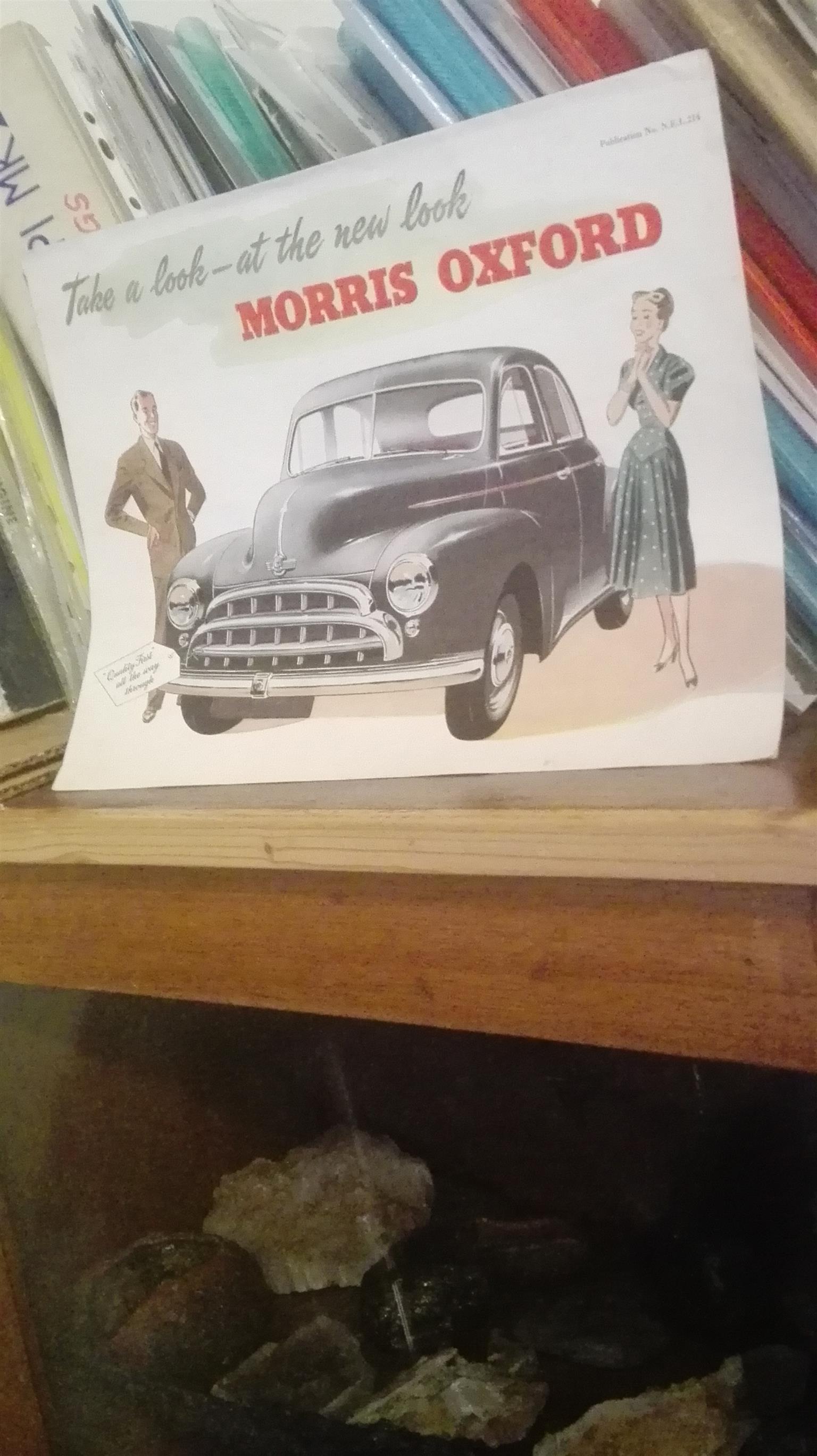 Original showroom pamphlet for Morris Oxford