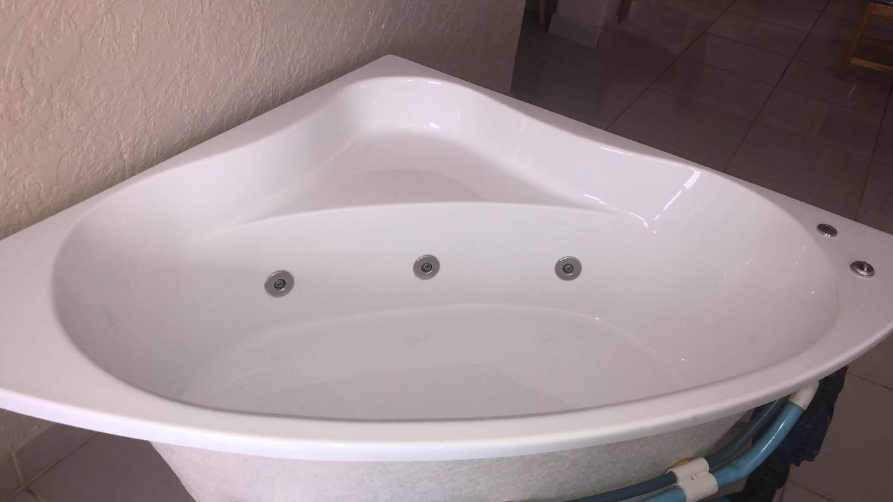 Libra Revenge Built-In Spa Bath 6 Jets | Junk Mail