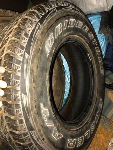 2 Bridgestone tyres 235|75R15