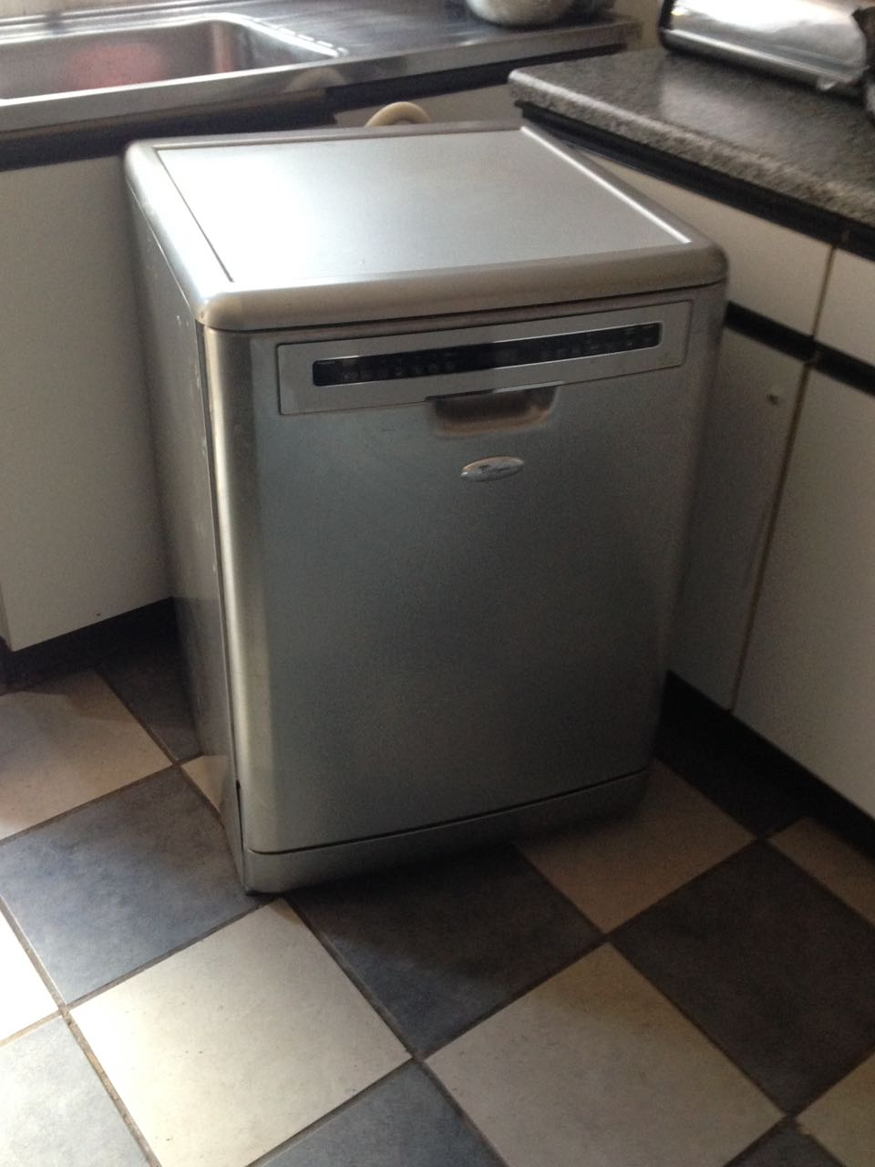 **PRICE REDUCED** Whirlpool adp 7955 touch dishwasher for sale