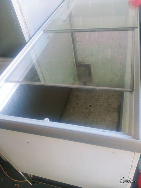 525L Glass Top fridge/freezer.