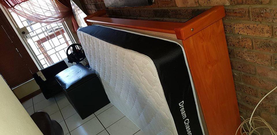 Oregan single bed and mattress