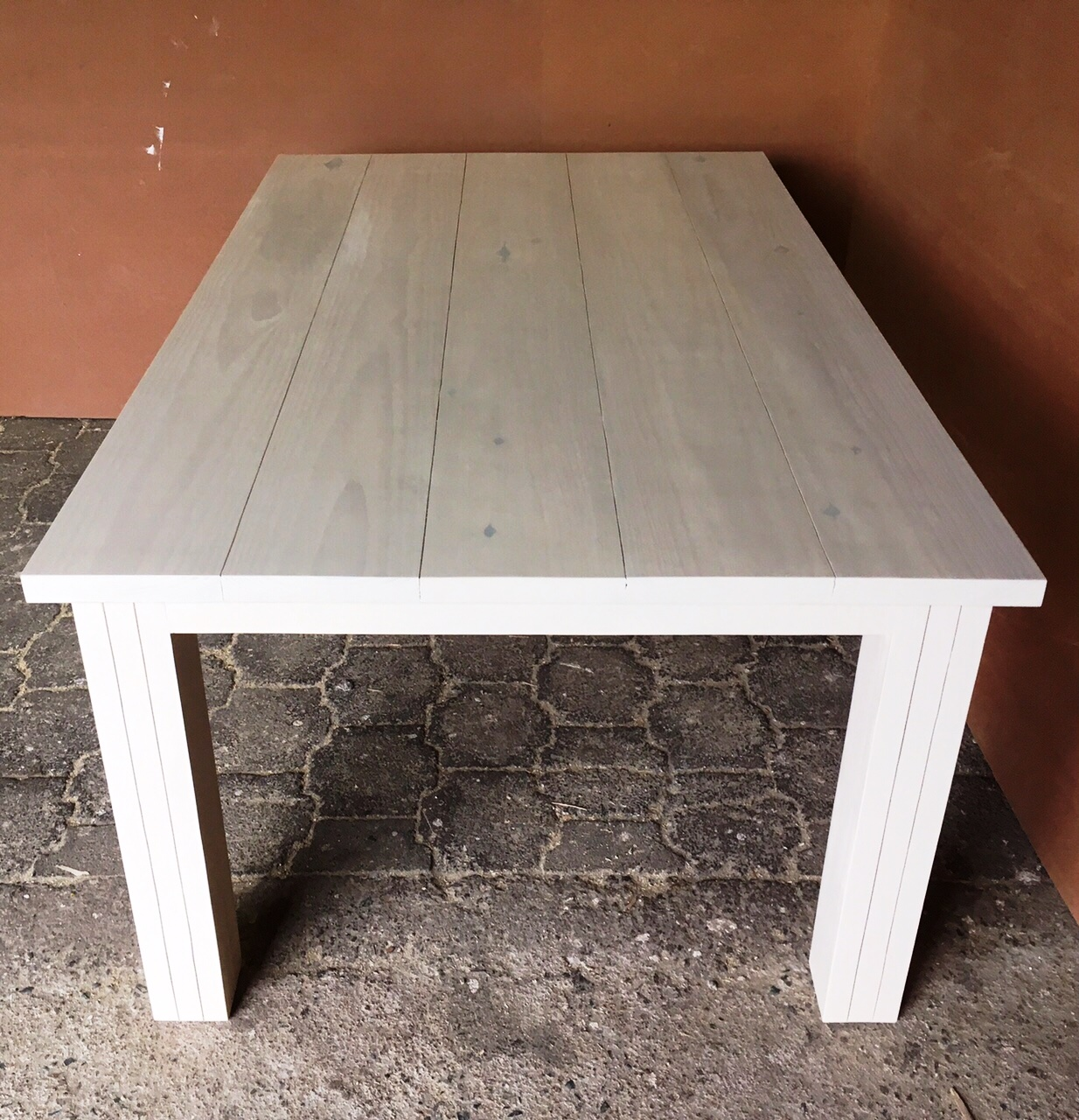 Patio table Chunky Cottage series 1800 extra width Antique white