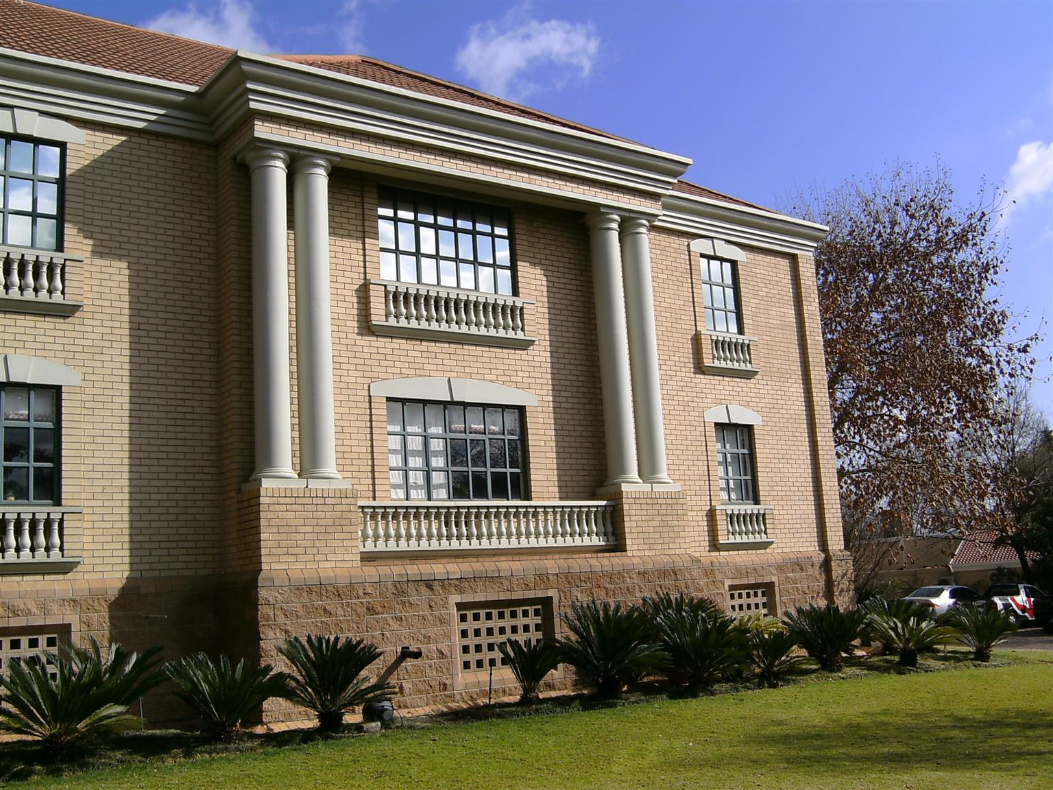 734m² - Offices To Let - Houghton - Johannesburg