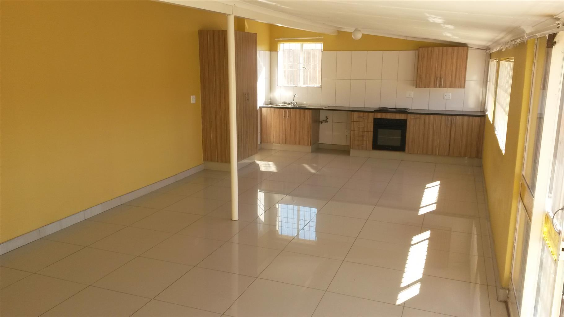 2 Bedroom Simplex to Rent in Pretoria North R5500 pm