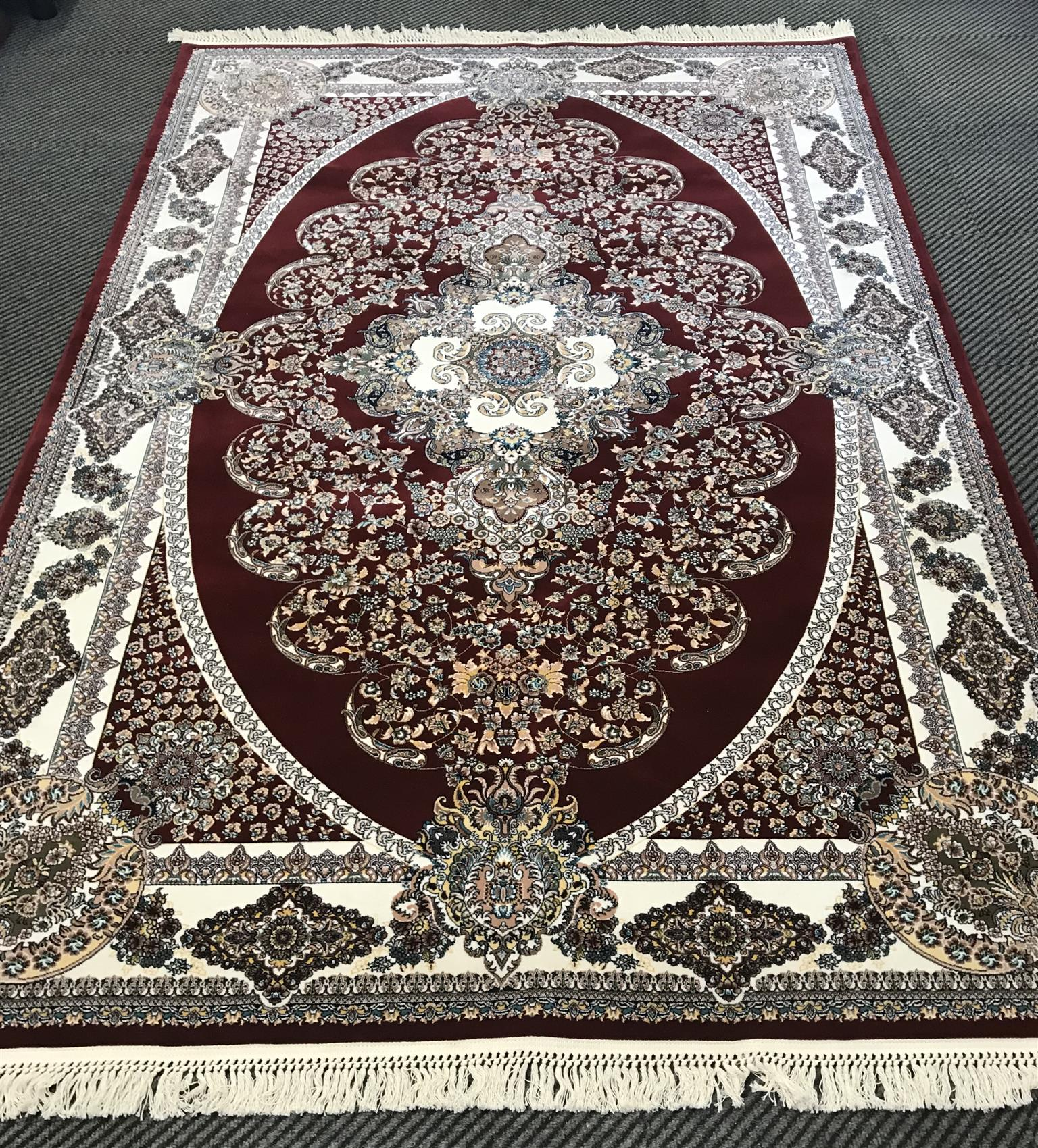 Top Of The Range Persian Carpet Brand New