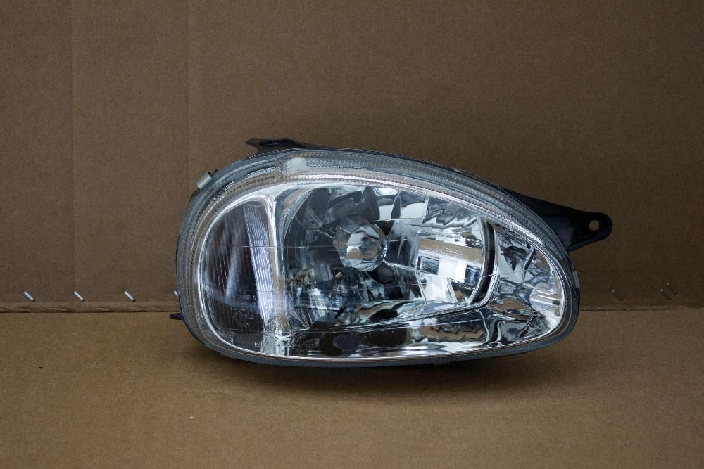 OPEL CORSA LITE FACE LIFT 99 03 BRAND NEW HEADLIGHTS FOR SALE PRICE R650