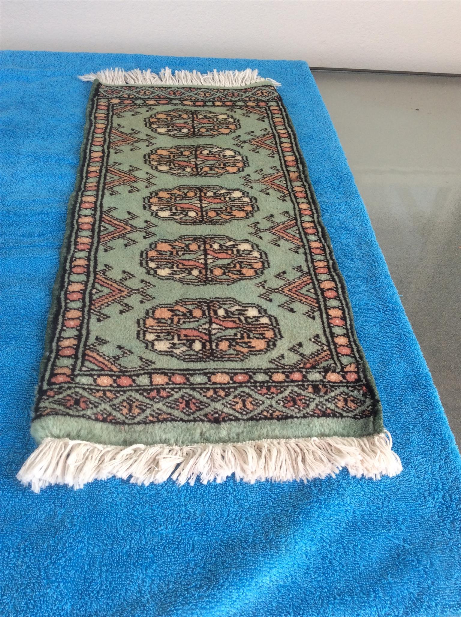 Oriental woollen fringed table runner