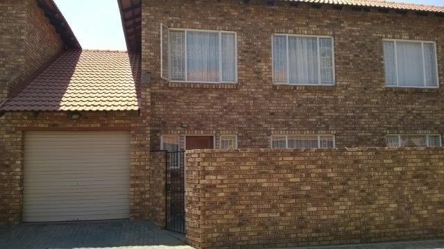 Lovely townhouse to rent in Clarina