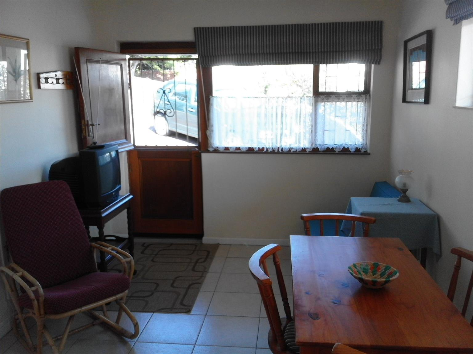 Cottage/apartment in quiet area on the Fish Hoek mountainside
