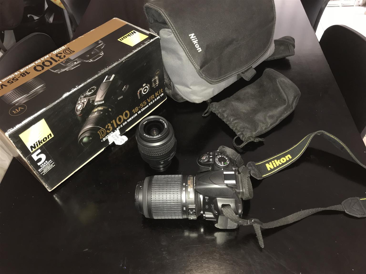 Nikon 3100 18-55 VR kit with carry bag
