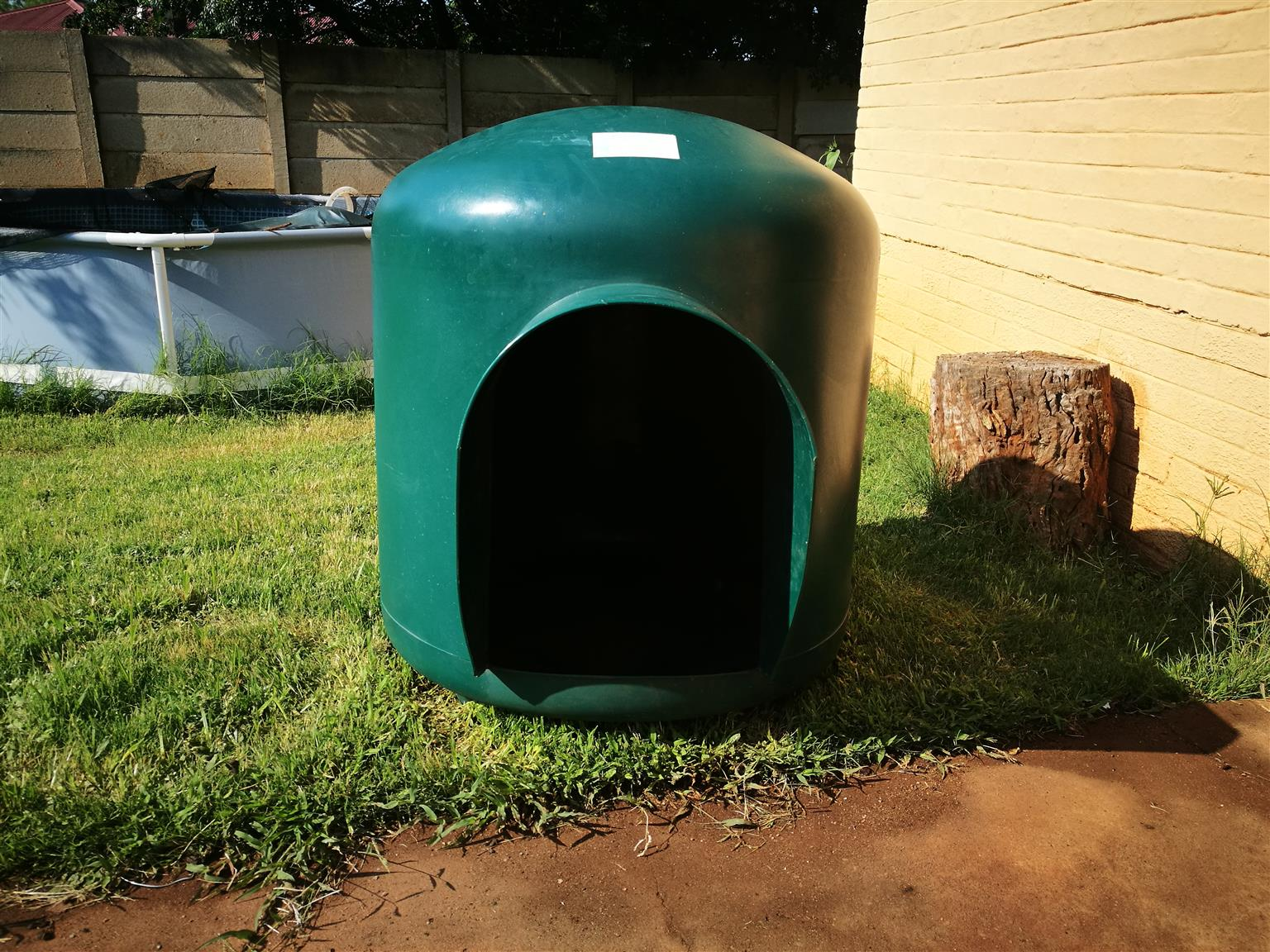 XL igloo dogkennel