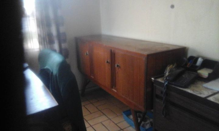 Sideboard. 2 door and 3 drawers for sale