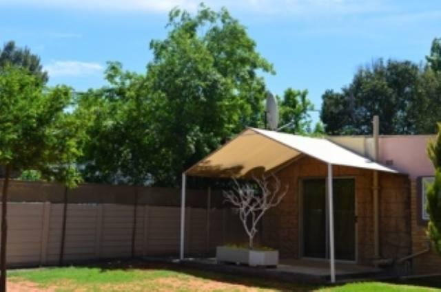 neat 2 Bedroom Garden flat for Rent Noordhoek Bloemfontein