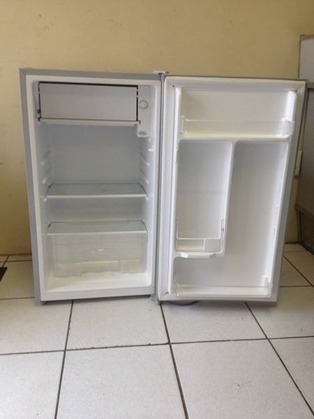 Dedy Bar fridge 90 litre