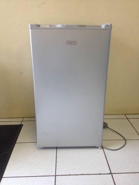 Dedy Bar fridge 90 litre