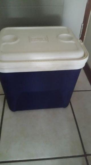 Camp master coolerbox