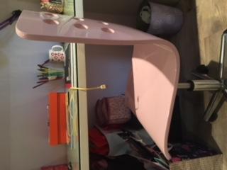 Mokki desk and chair