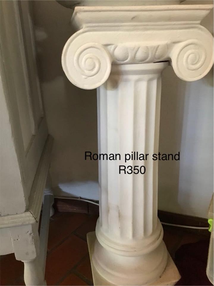 Roman pillar stand