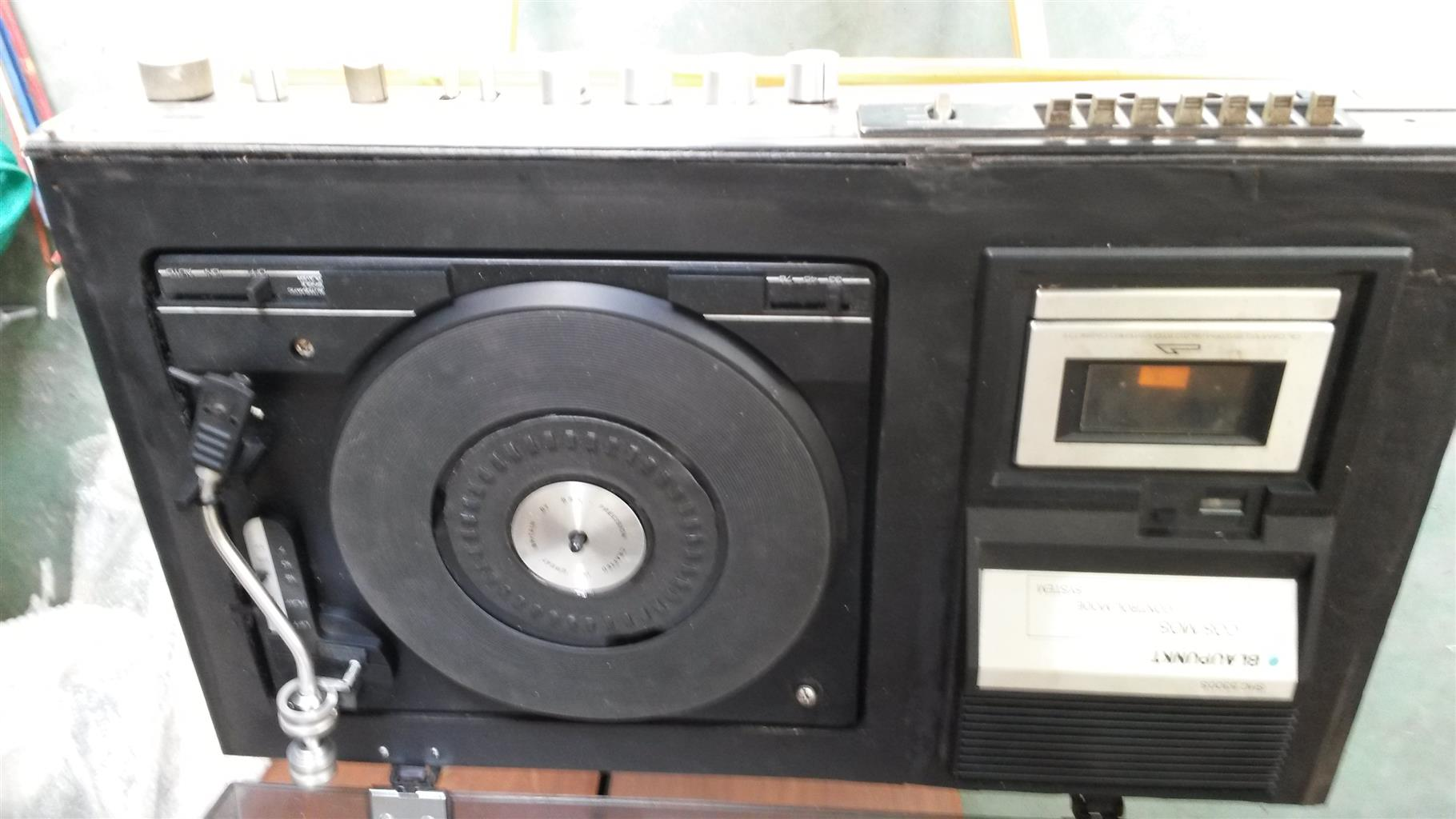BLAUPUNKT COMBO MUSIC CENTRE, SAMSUNG RADIO/RECORD PLAYER/TAPE DECK, NATIONAL COMBO HI FI SET
