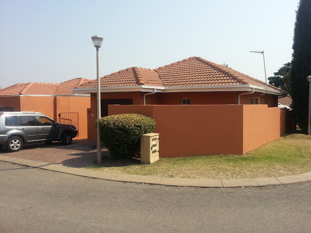 Townhouse to rent in Secure, Pet Friendly Midrand Complex