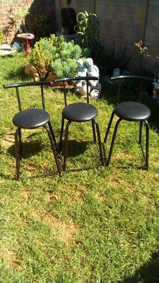 Bar chairs selling