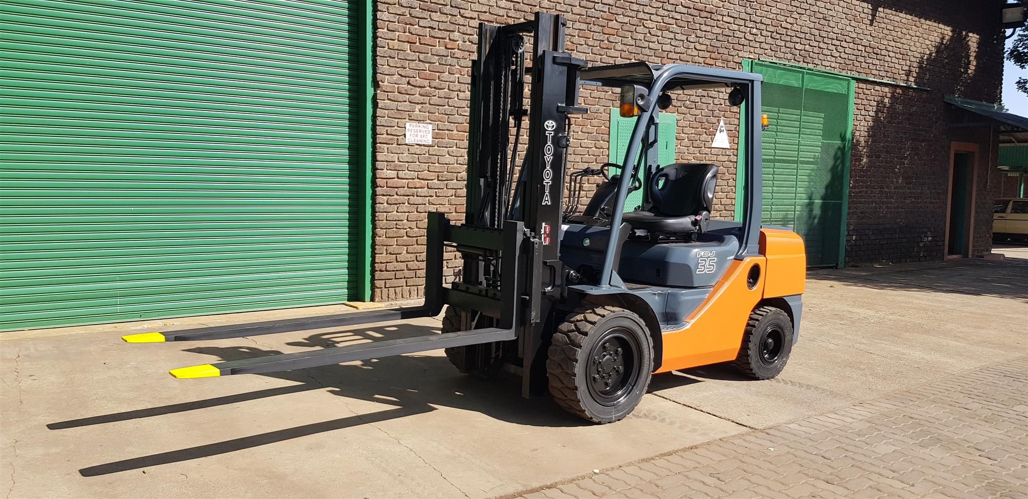 3.5 ton toyota forklift FOR SALE