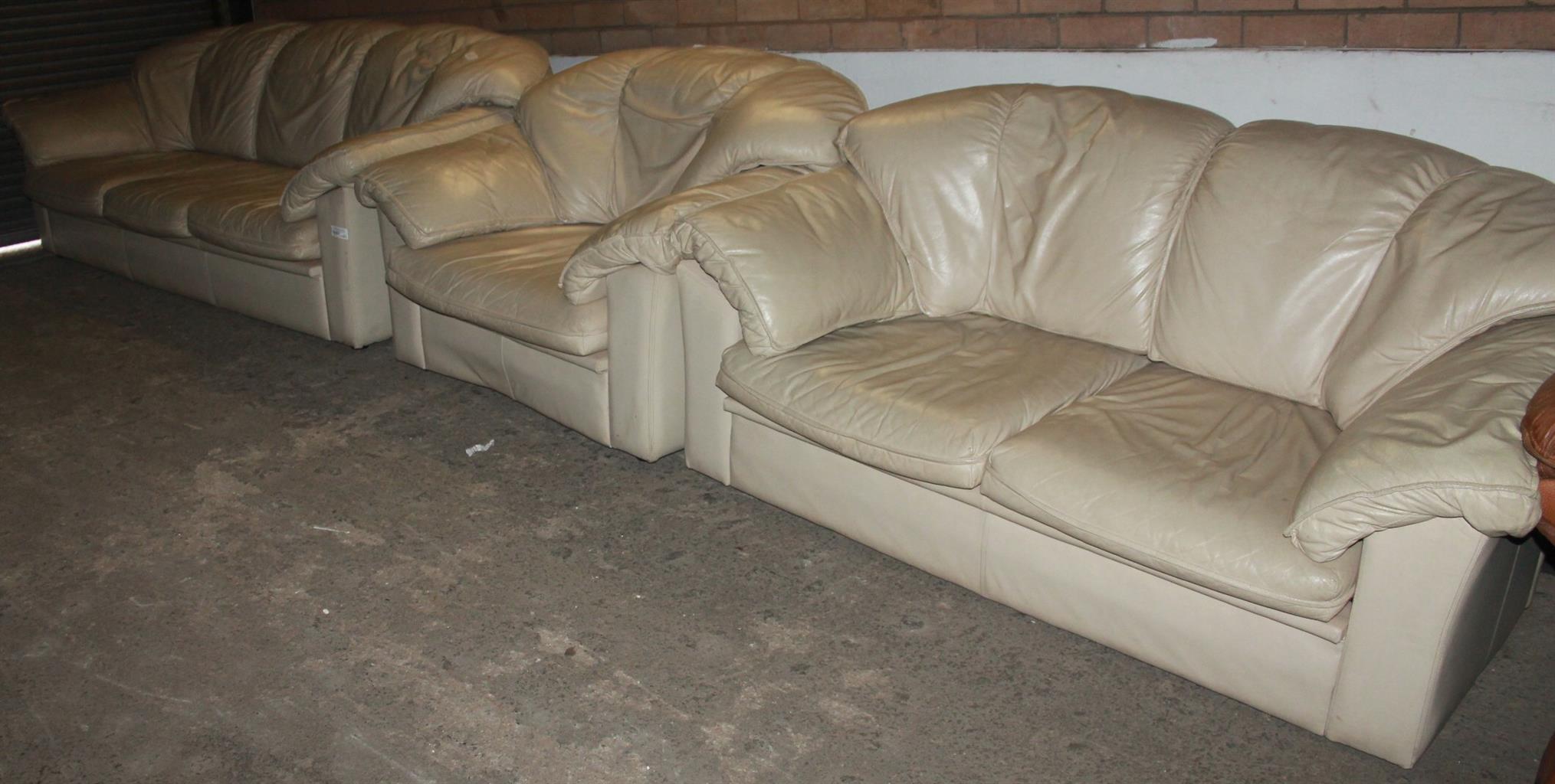Lounge suite S026772a #Rosettenvillepawnshop