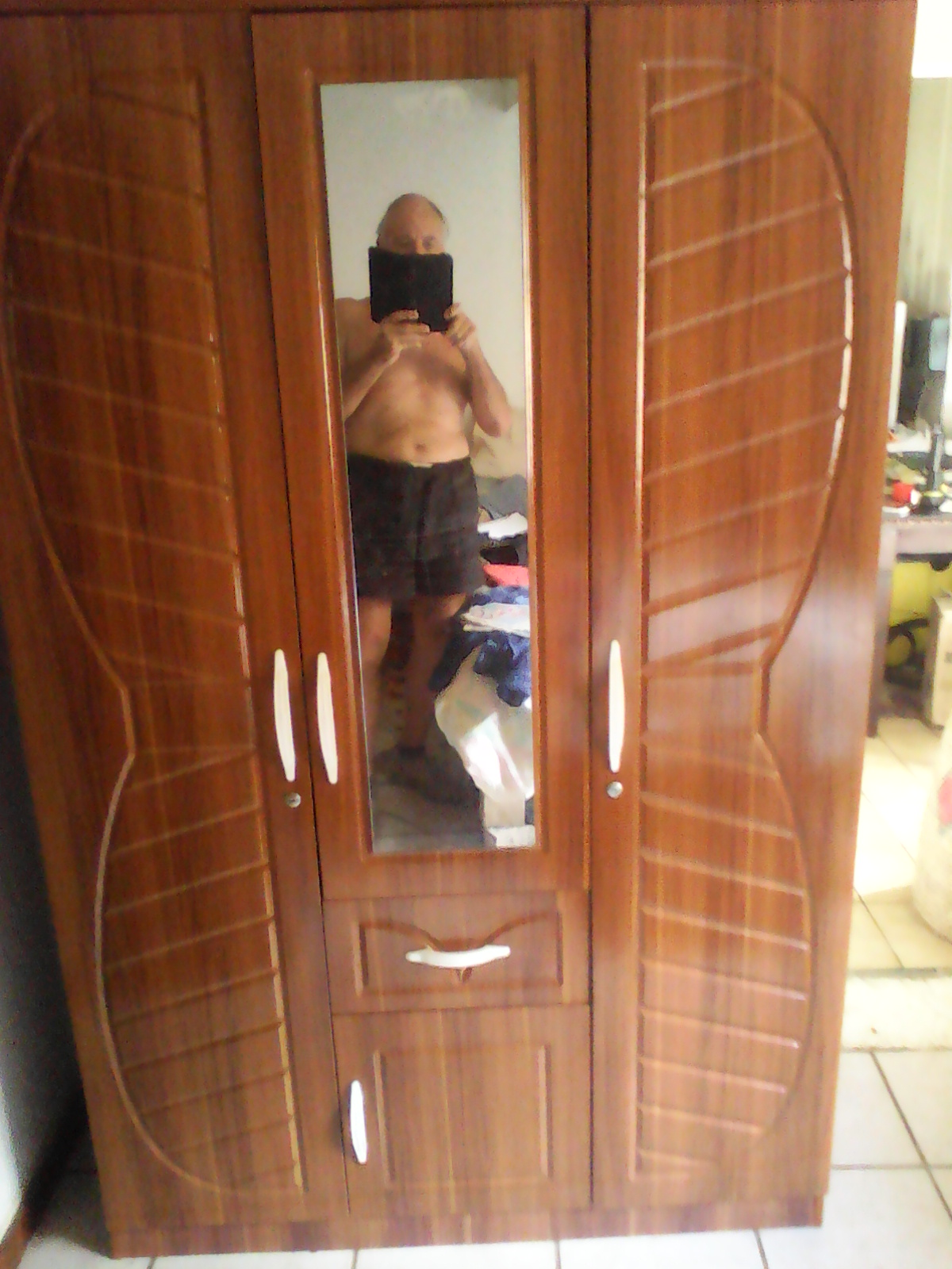 3 - Door mirror wardrobe