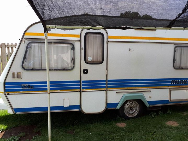 Sprite musketeer Caravan with tent for sale & Sprite musketeer Caravan with tent for sale | Junk Mail