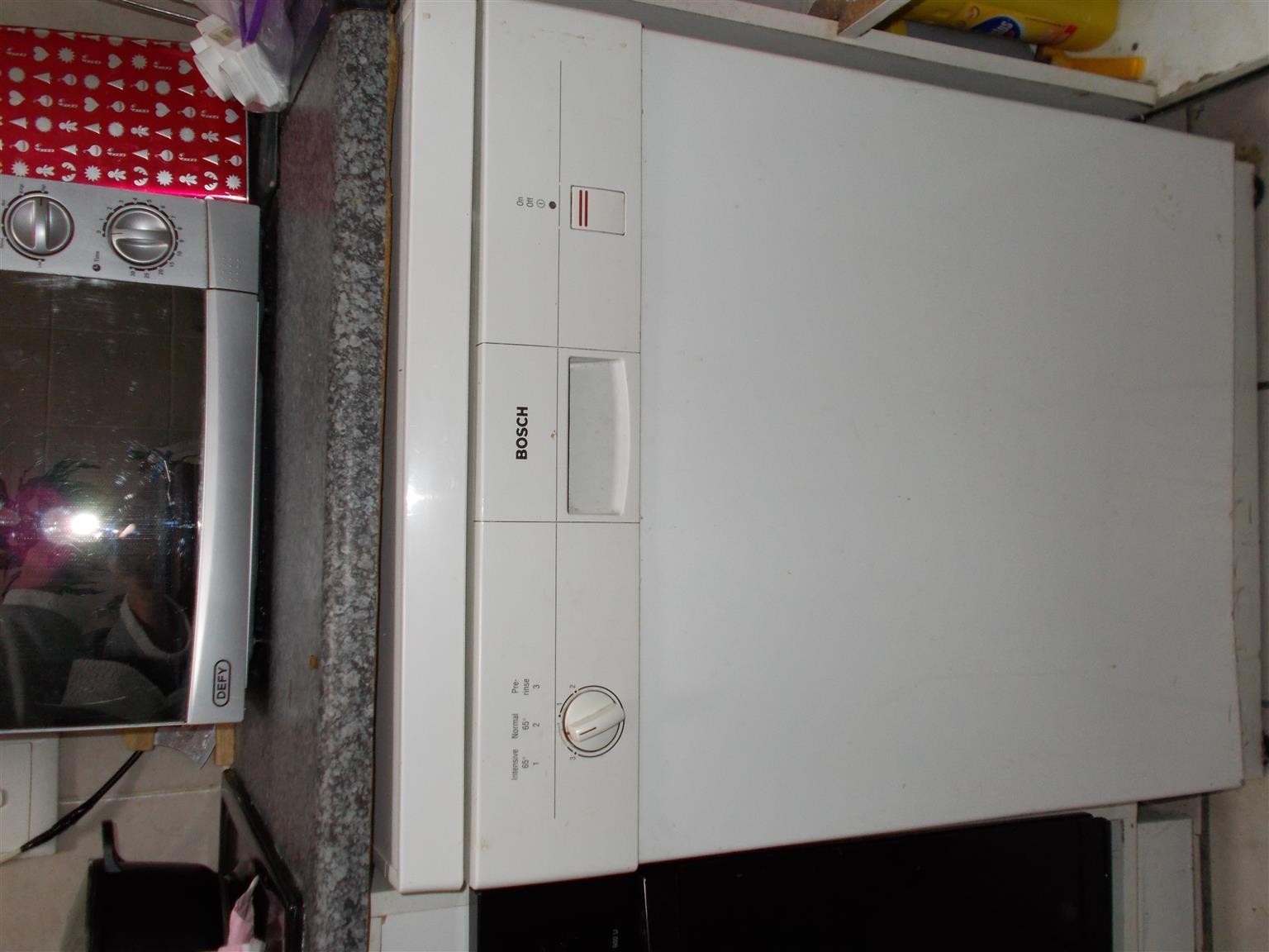 Bosch Dishwasher works perfectly R1500