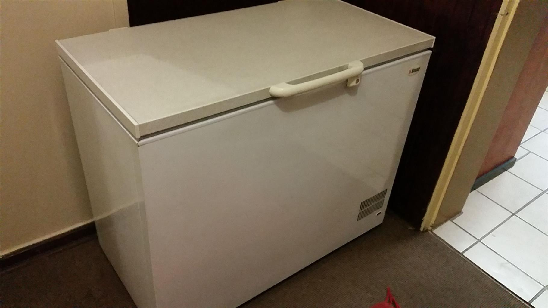 310 Litre Chest Freezer in very good condition.