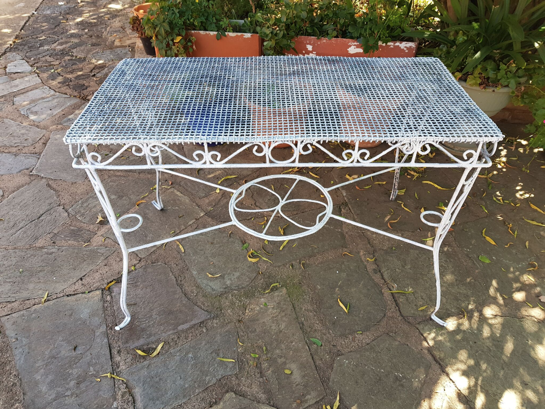 Decorative Wire Table