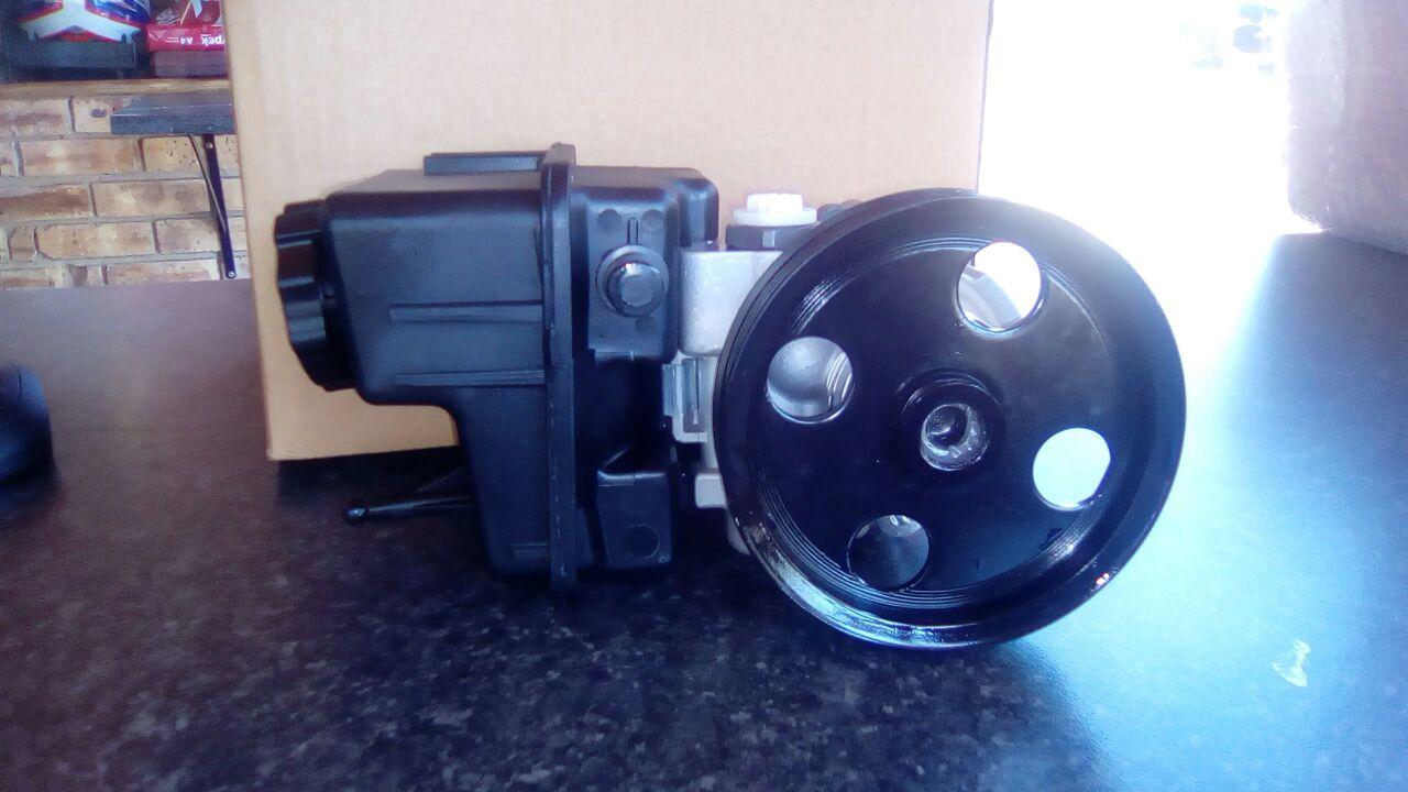 Mercedes Power Steering Pumps Used & New