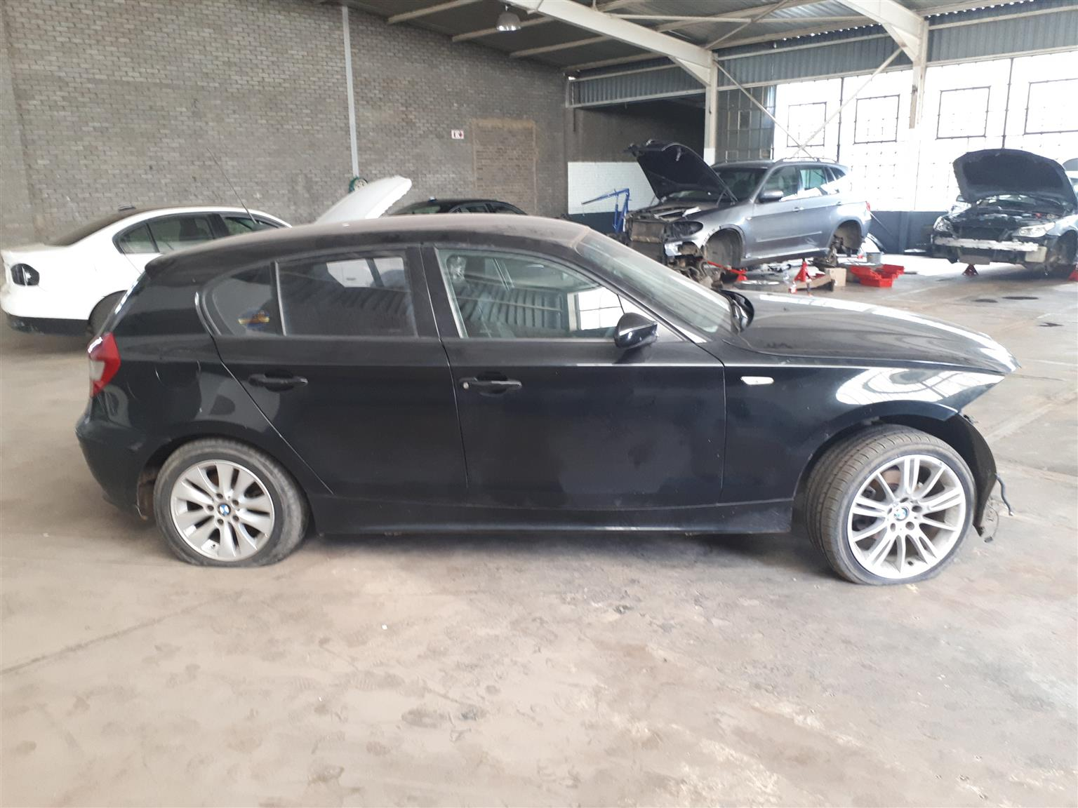 Bmw E87 120i 1 Series Body Panel And Interior Stripping