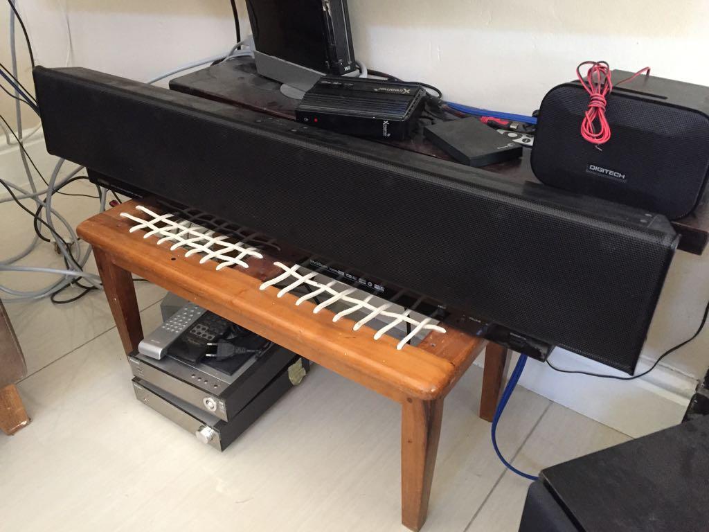 Yamaha YST-1100 Digital Sound Projector sound bar with manual & remote