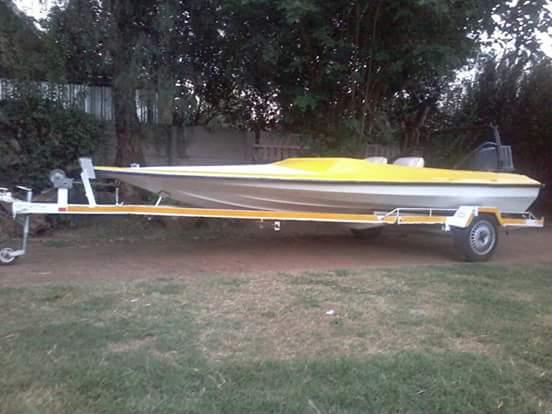 Bass model boat for sale urgent sale