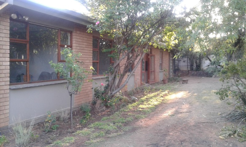 2 Bedroom Garden Cottage to Rent in Lynnwood,