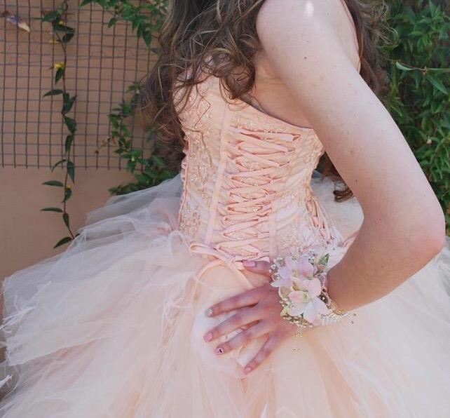 Urgantly Selling Matricfarewell Dress