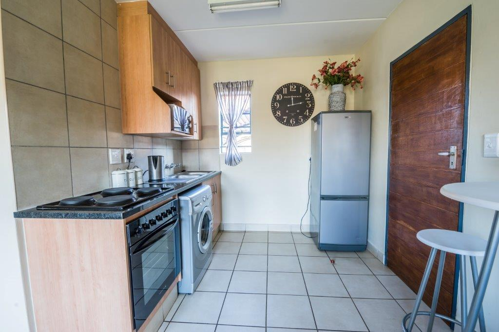 SAVE BIG and pay R2 825 For a 2 Bed Apartment.