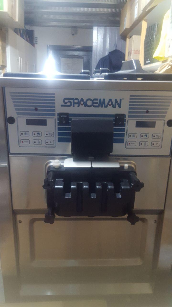 Spaceman Soft Serve Machine