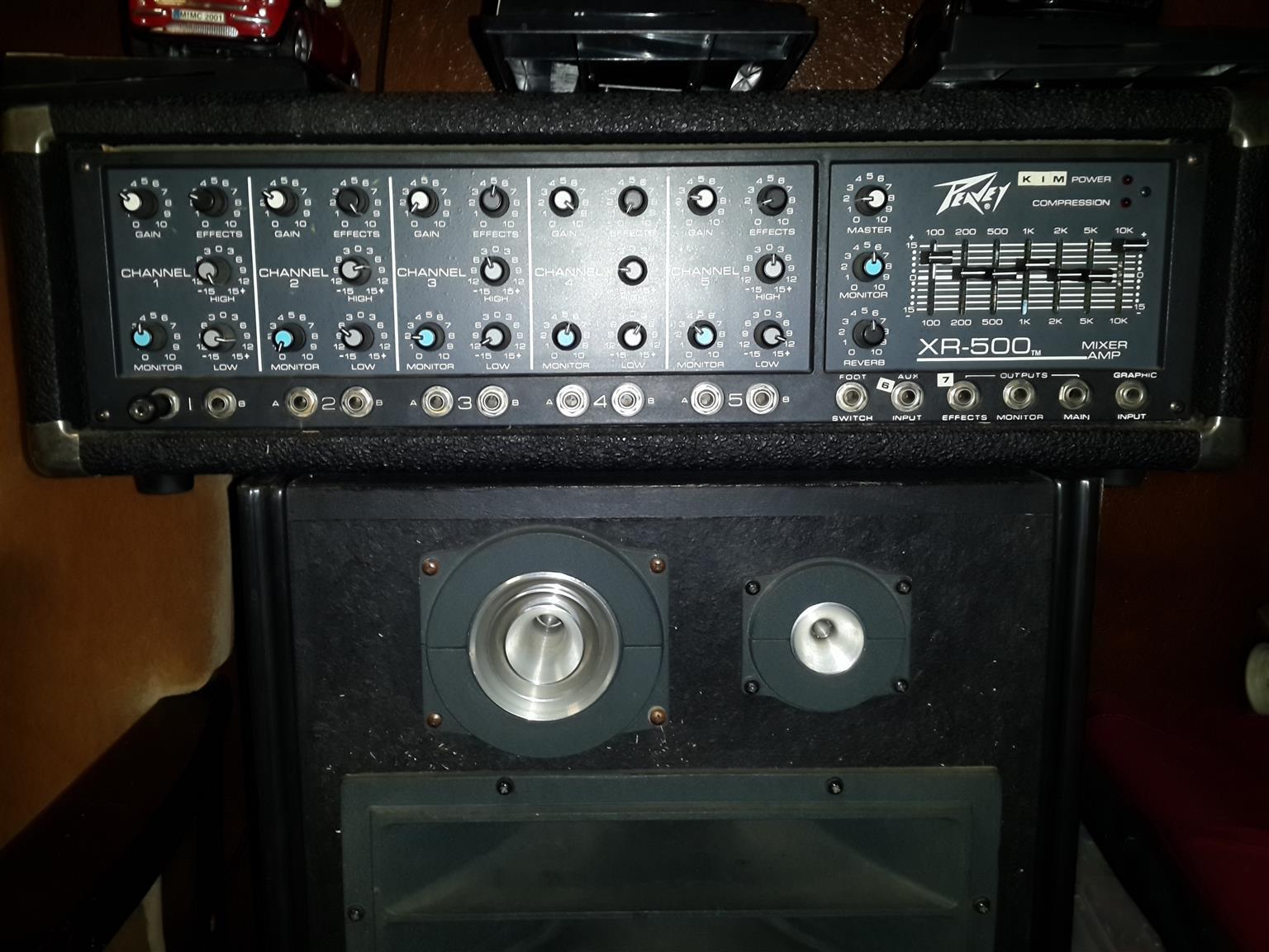 Peavey XR 500 Mixer Amplifier