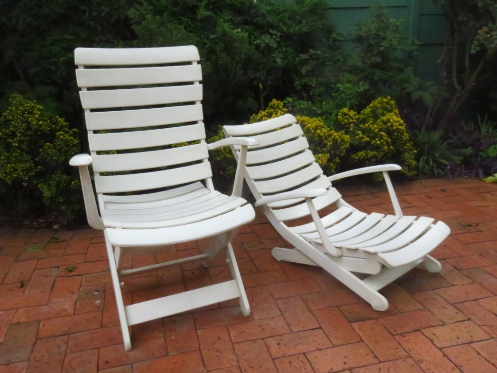 Reclining and folding patio chairs just in time for summer