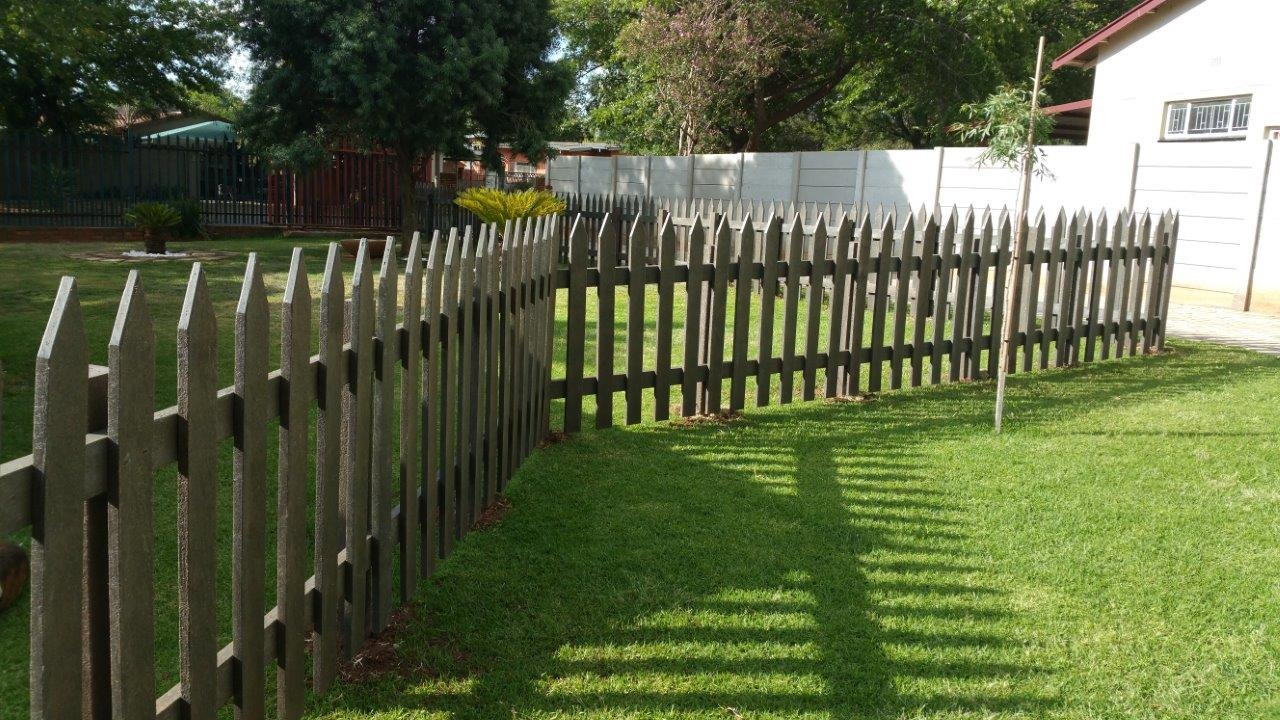 Garden Edging and Picket Fencing