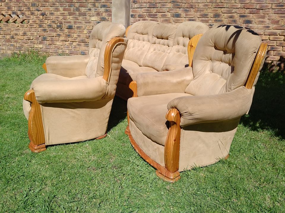 Couches if intrested whatsapp