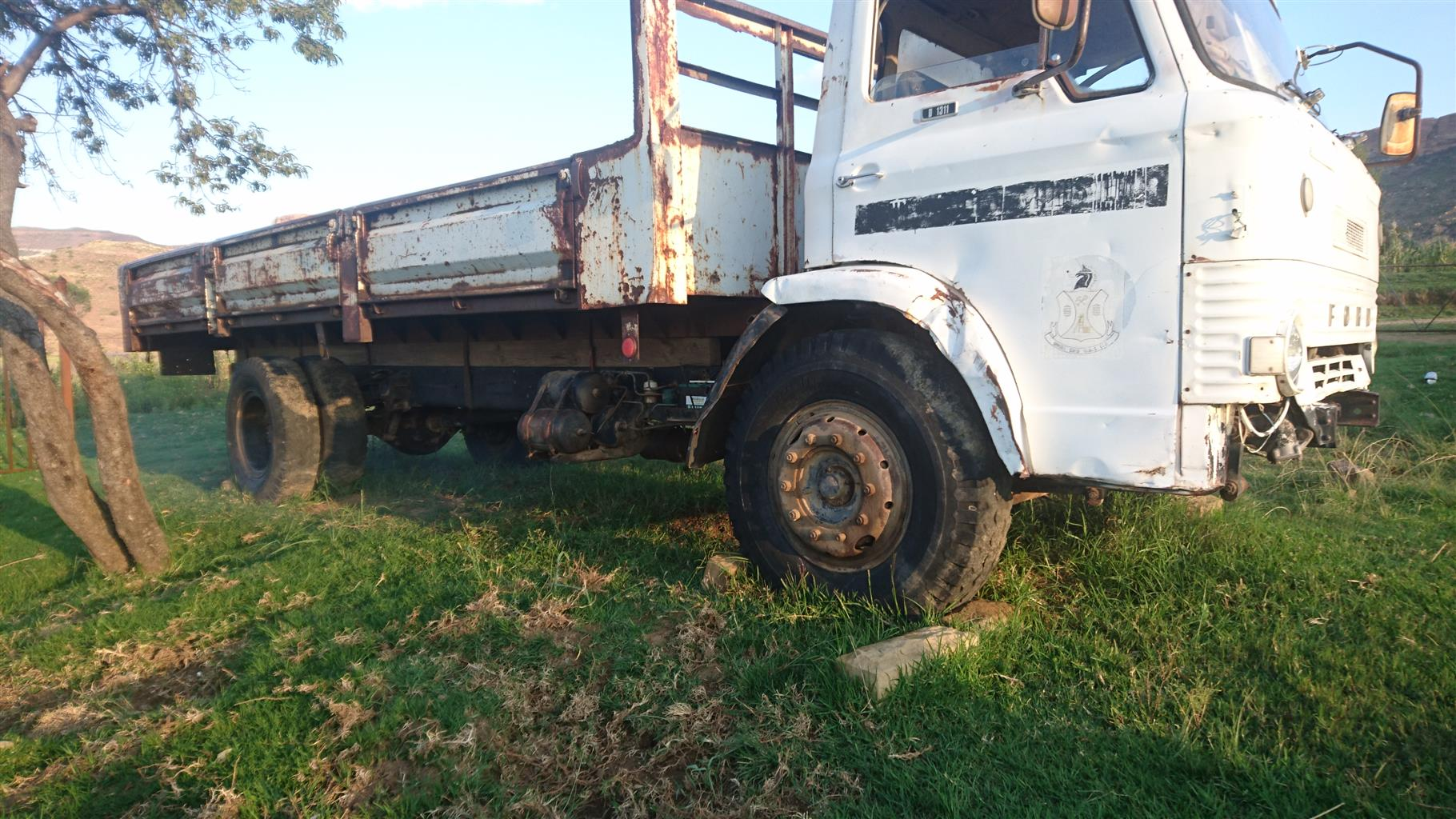 Ford truck D1311 running, Block making machine and Generator 3.5KW