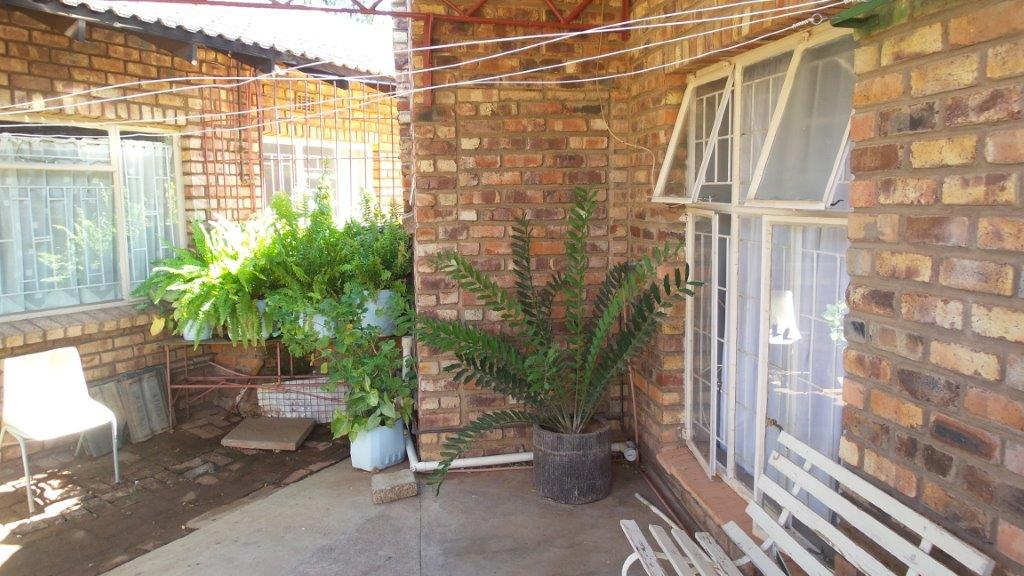 Bachelors flat to rent in Hadisonpark